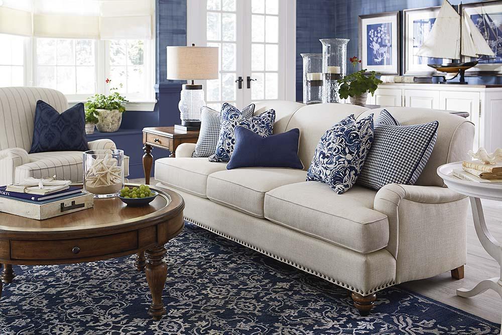 Essex Sofa Image