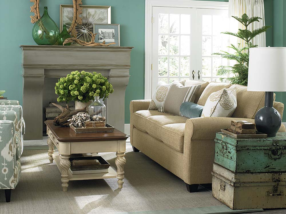 Brewster Sofa Image