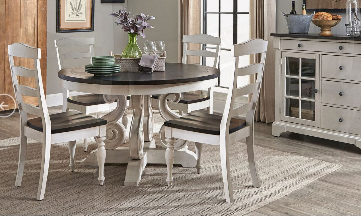 Carriage House Round Table Image